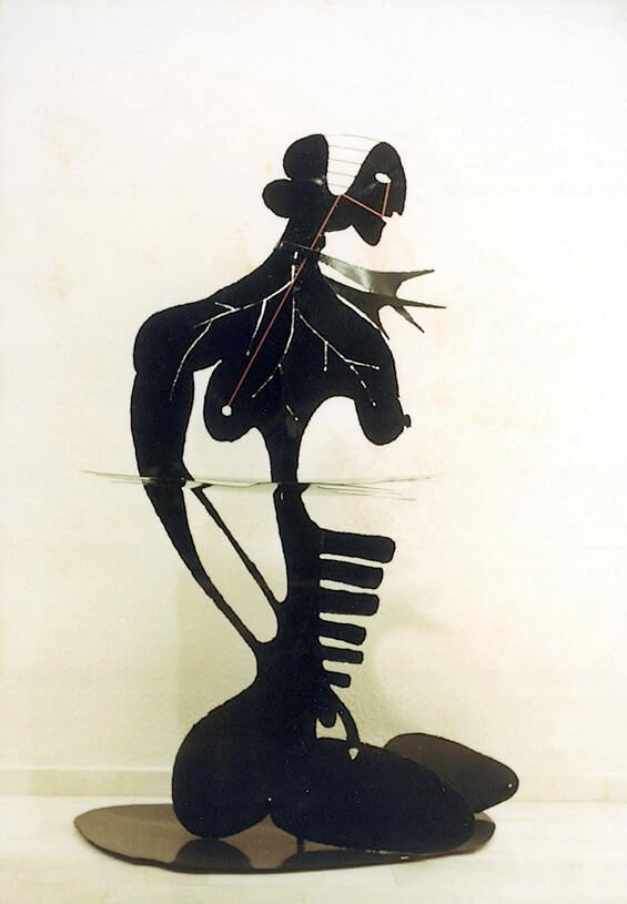 Μαύρα γλυπτά 1985 – 1986, (1977-1986)
